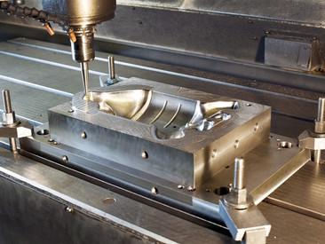 Usinagem CNC: Entenda como era antes e como funciona esta tecnologia hoje