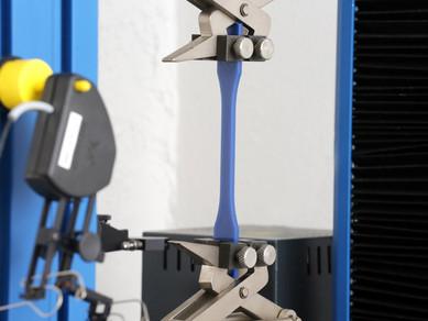 A Importância dos Ensaios Mecânicos de Tração e Compressão