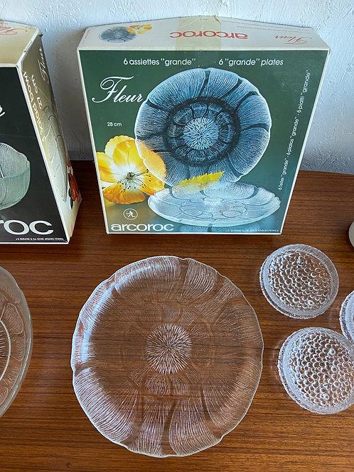 Arcoroc Fleur Plates