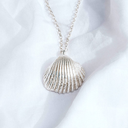 Maxi Shell Necklace