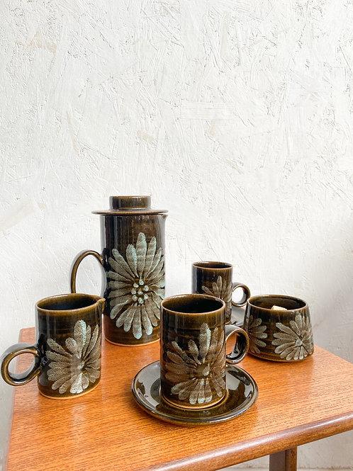 Midcentury Lotus Studio Pottery Set - Elizabeth Skipworth Leaf Design