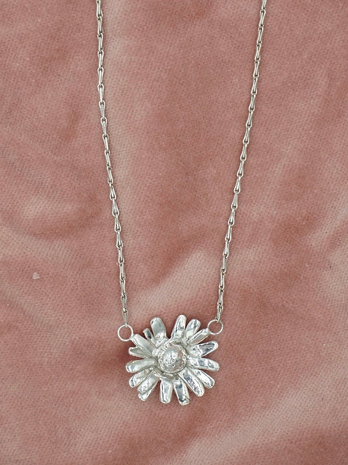 Oopsy Daisy Necklace