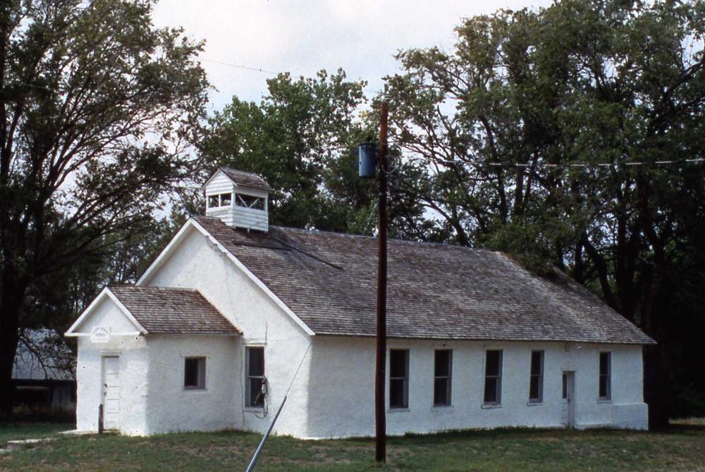Prima biserică construită cu baloți de paie în Nebraska în 1928, este în stare bună în prezent și poate fi vizitată de turiști
