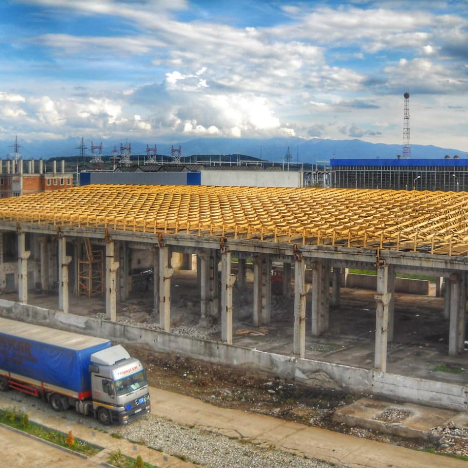 Sarpanta industriala montata pe hala din beton