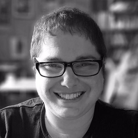 Dana Goldberg / Scriptwriter & Director