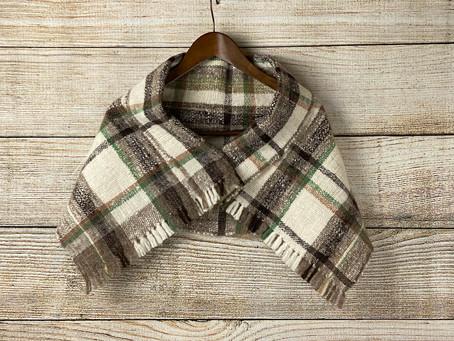 手紡ぎ手織りケープショール(Ak4)
