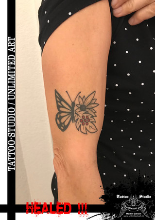 Schmetterling Blumen Tattoo / Butterfly Flower Tattoo