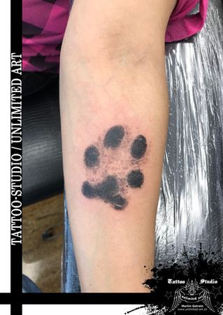 Hundepfote Tattoo // Dog Paw Tattoo