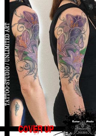 Cover Up Tattoo / Lilien, Schnörkel & Schmetterling Tattoo