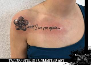 Vergissmeinnicht mit Schriftzug Tattoo