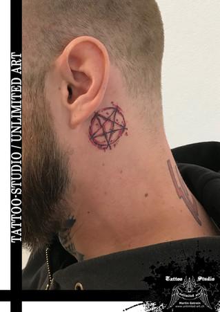 Pentagramm Tattoo