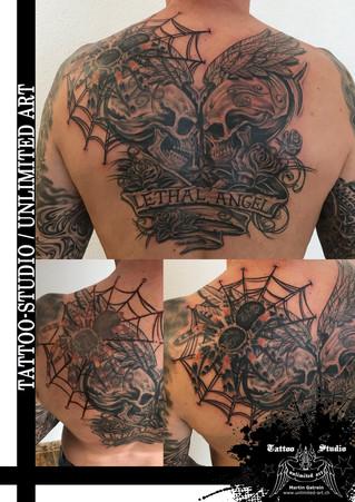 Totenköpfe mit Spinne & Rosen Tattoo / Skulls With Spider & Roses Tattoo