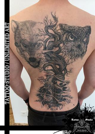 Lebensbaum mit Totenkopf, Wolf & Eule Tattoo