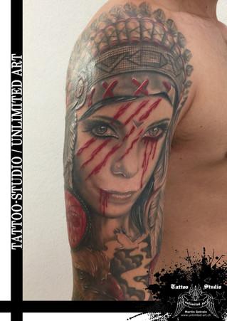 Trash Tattoo / Indianerin mit Kopfschmuck Tattoo / Indian Sleeve Tattoo