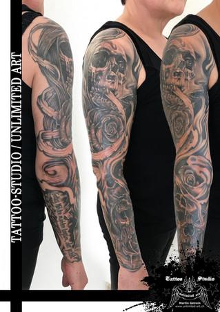 Totenkopf, Frau und Rosen Tattoo / Skull & Rose Sleeve Tattoo