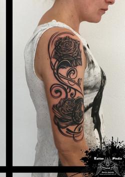 "black & grey ""flourish rose"""