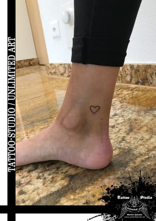 Mädchen Herz Tattoo / Girl Heart Tattoo / Kleines Herz Tattoo / Little Heart Tattoo