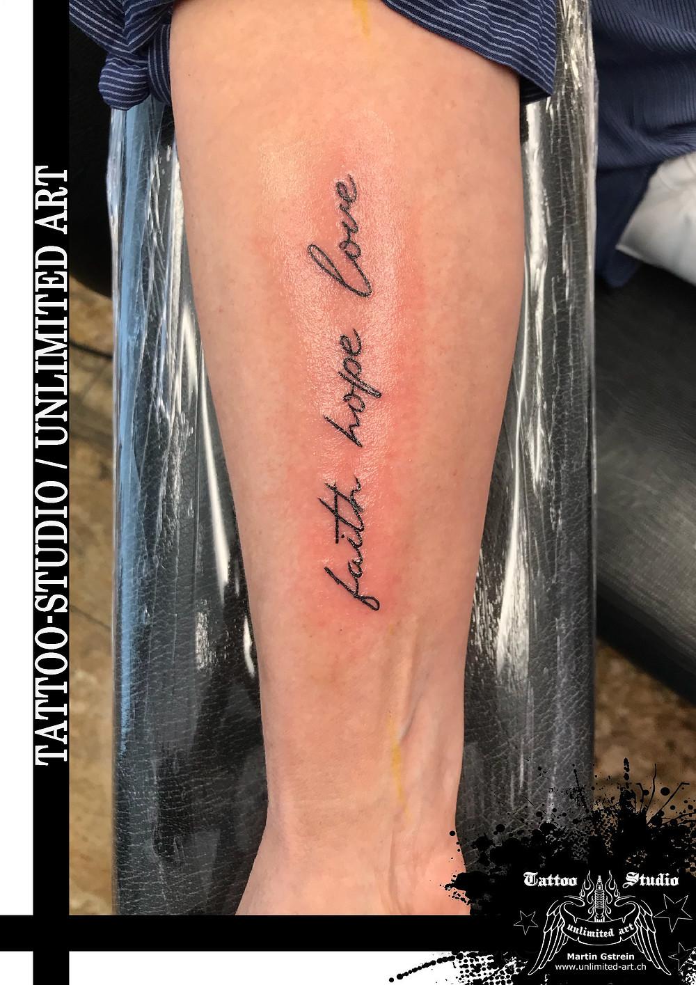 Tattoo fusskette Blumen Tattoos