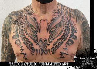 Biomechanik Brust Tattoo / Biomechanics Chest Tattoo