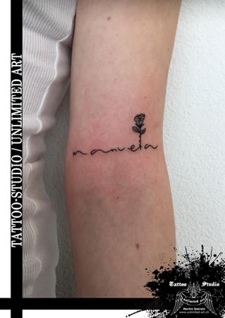 Black & Grey / Little Black Rose Tattoo