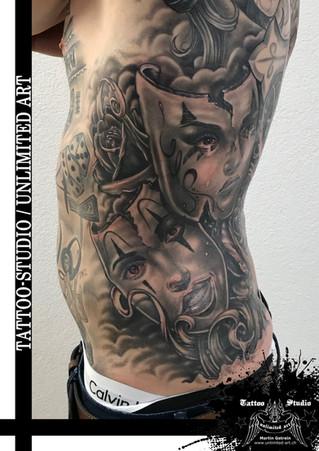Black & Grey Tattoo / Masken & Rosen Tattoo / Mask & Rose Tattoo