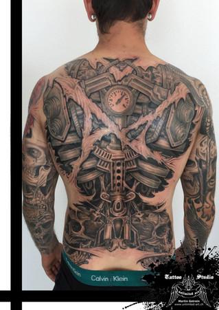 Bio-Mechanik Rücken Tattoo // Bio-Mechanics Back Tattoo
