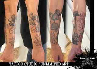 Blumen mit Schnörkel Unterarm Mädchen Tattoo / Flowers With Curlicues Forearm Girly Tattoo
