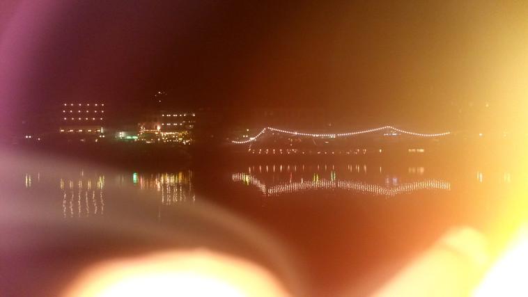 Schiffe bei Nacht