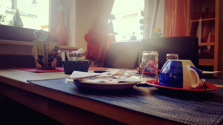 Frühstücks-tisch