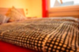 Zimmer 7 Bett nah Mai 2016 by Gerrit.jpg