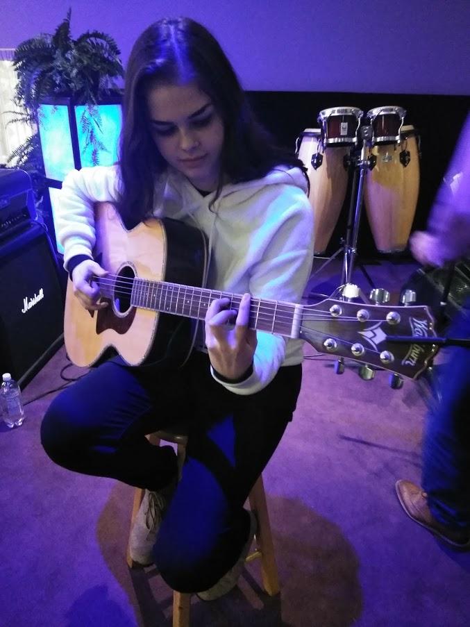 chey guitar
