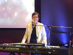 Dianna - Keys/ Vocals /Worship Mentor