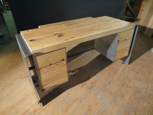 Dickinson Desk