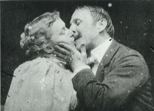El primer beso en una película.