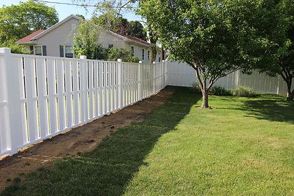 Shadowbox Vinyl fence