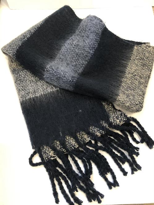 Blue chunky scarf