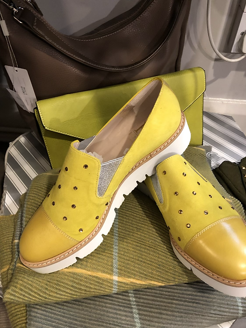 Lime/ yellow Shoe  size 39