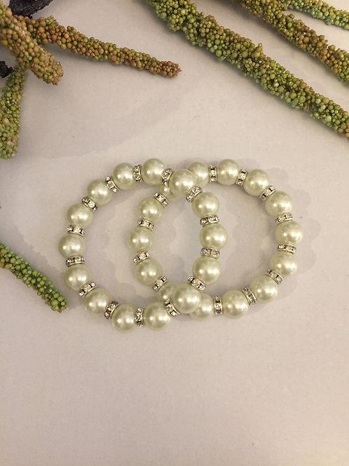 Pearl fashion bracelet
