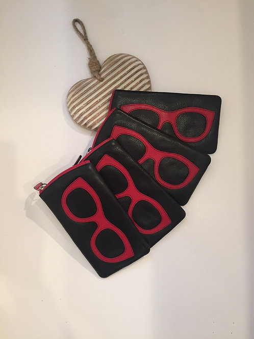Leather glasses case in black and red