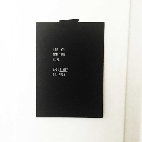 Postkarte PIZZA, Vorderansicht, Love is the new black