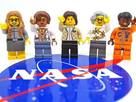 Bu Kadınlar Uzaylı!
