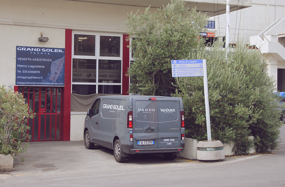 Gimar Yachts - Office.jpg