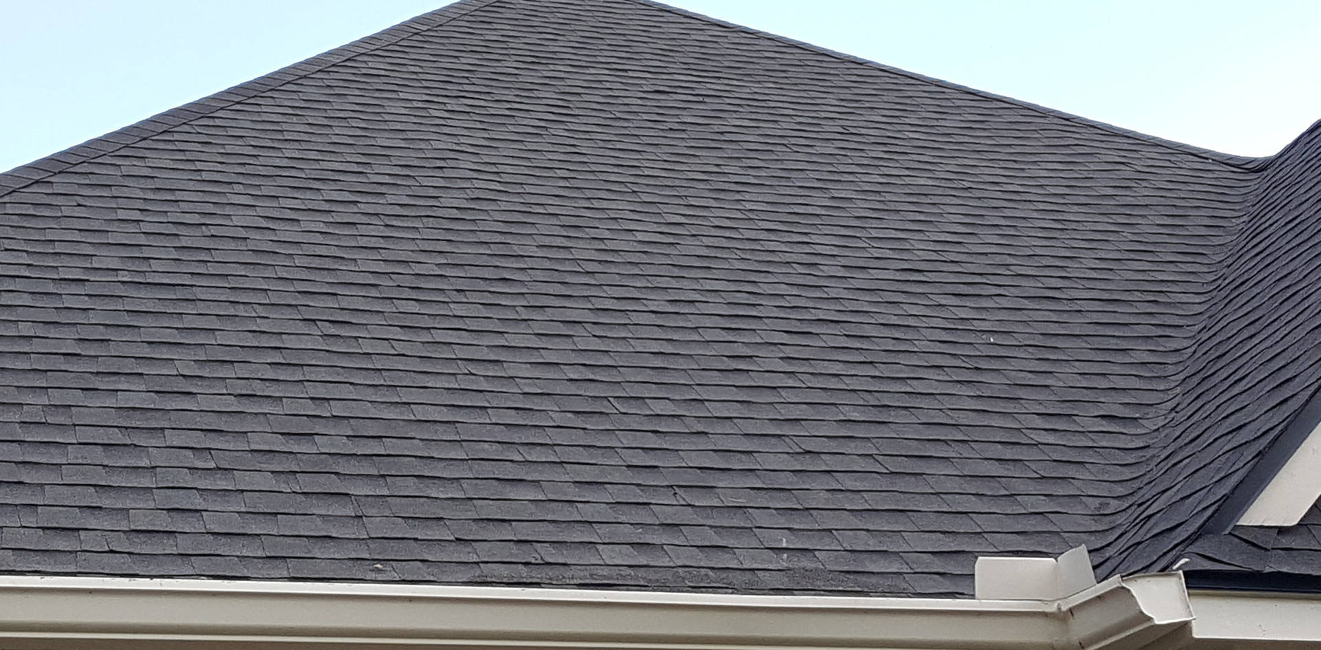 Gorgeous Brand New Charcoal HD shingles.