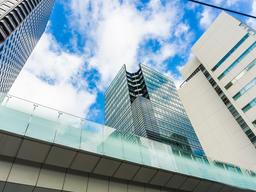 La recuperación del sector inmobiliario se traslada también a los mercados bursátiles gracias a las