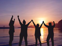 Planes para hacer con amigos tanto en la playa como en la ciudad