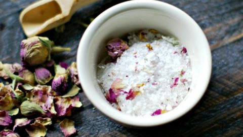 3kg Luxury Bath Salts - Rose Geranium Essential Oil with Rose Petals
