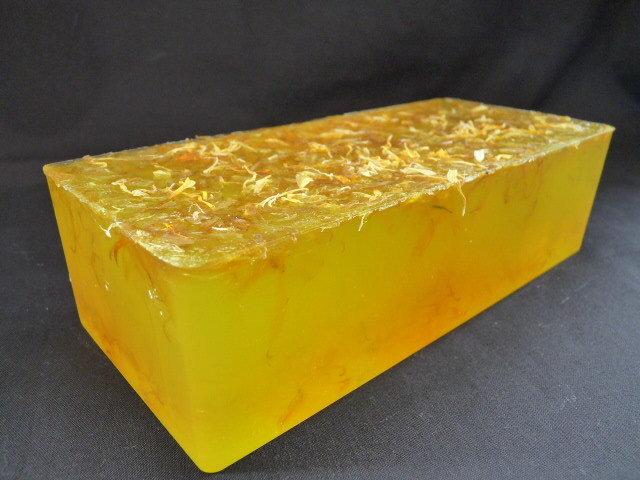 600g Handmade Soap Loaf - Lemongrass & Lime Essential Oil with Calendula