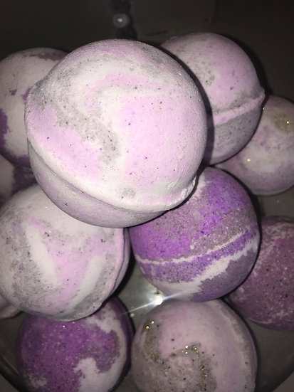 """Smells Similar"" Orchid Noir Bath Bombs - Pack of 6"