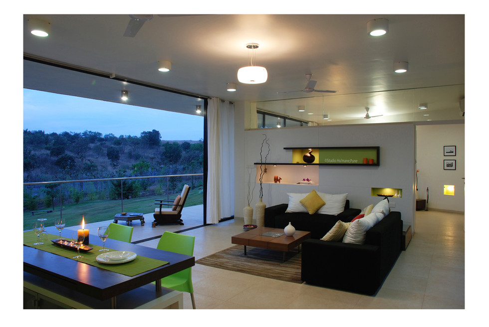 7 - seamless living space flows into dec