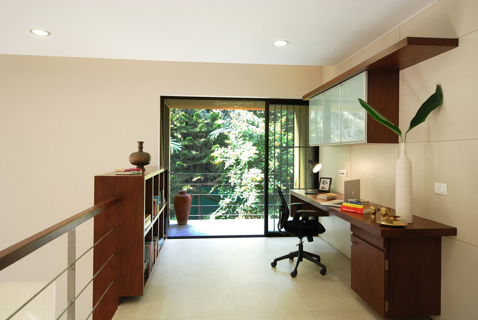 15  study with balcony.jpg